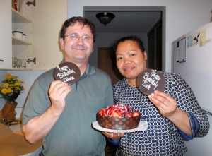 Brother Edwin and Sis-in-law Beth get ready to to have a little birthday feast with me.  This delectable cheesecake was purchased at  the renowned Mariposa Market in Orillia, about 1 1/2 hours north of Toronto.