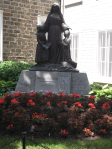 I had recently read about Marie de l'Incarnation, who came to quebec City in 1639, founded the Ursuline Order right here, as well as teh first school for girls.  She was an exceptional woman!