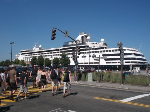 Down by the harbour, the cruise shippers could easy take in many of the attractions of the Old Port and a little higher up, the Old City.