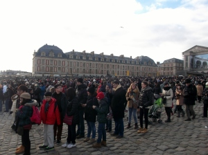 A smal section of the queue who waited patiently to enter the Palais Versailles. Thank goodness it wasn't raining!