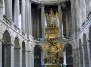 The Chapel was my introduction to the splendor of the rest of the Palace.  I only wish I could have heard the notes emenating from those organ pipes!