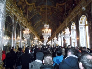 I wasn't the only one enthralled with the Hall of Mirrors...