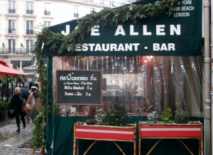 The renowned American Joe Allend Restaurant and Bar is located in close proximity to the Theatre Chatelet and the the Duc de Lombard Jazz Club.