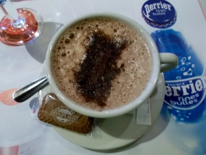 Hot chocolate was the perfect  afternoon pick-me-up during my fun-filled days in Paris.