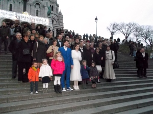 Gildas and Carole pose for an 'extended family' shot on the steps on the Sacre Coeur Basilica in Montmartre. It was right across the road from the Salon for the wedding reception.