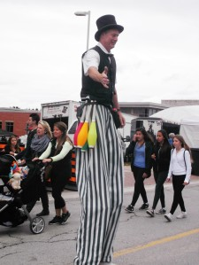 This stiltwalker got lots of attention, even when he wasn't juggling at the Binder Twine Festival.